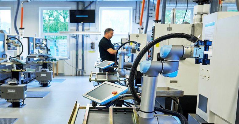 Roboter verdrängen Arbeitsplätze. Doch unterm Strich werden durch die Automatisierung mehr neue Stellen geschaffen als abgebaut. (Bild: IFR)