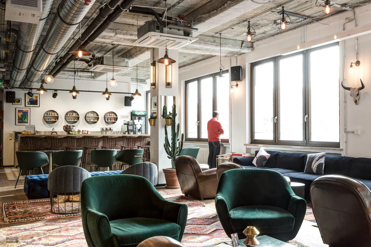 Der Coworking-Raum von Mindspace strahlt Loft-Atmosphäre aus. (Foto: Mindspace)
